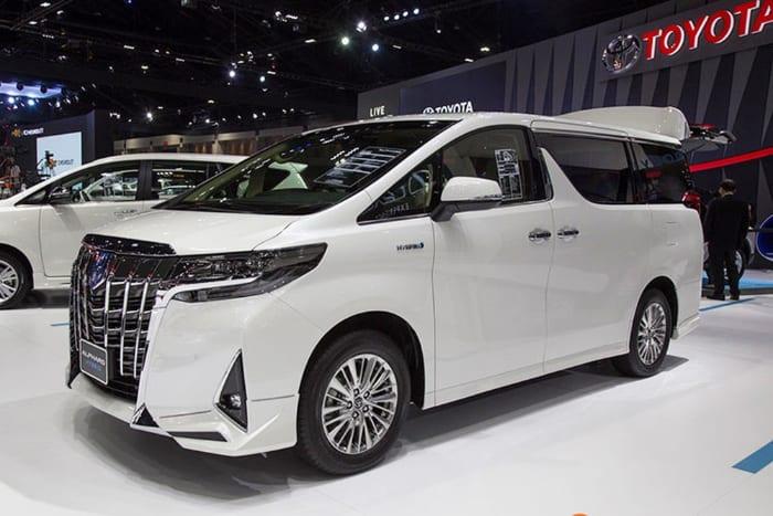 Toyota Alphard là dòng xe MPV hạng sang cỡ lớn