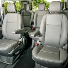 Bọc ghế da xe Ford TourNeo rất an toàn