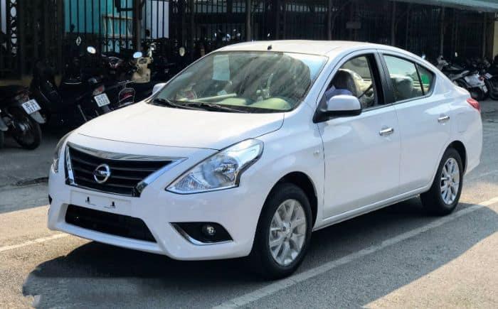 Chiếc Nissan Sunny sở hữu kích thước 4425 x 1695 x 1500mm