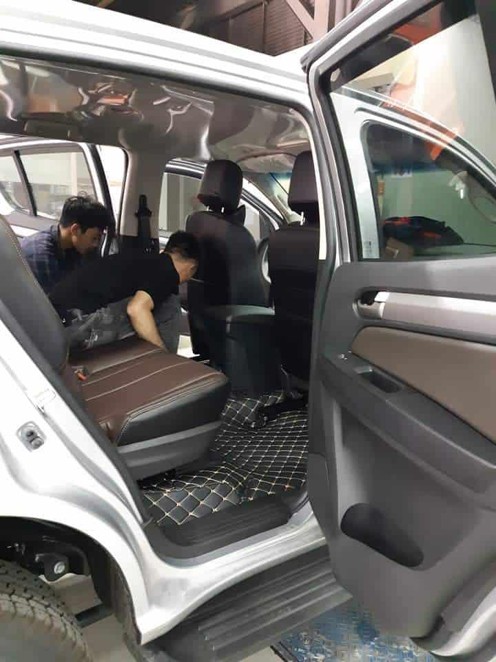 Nên chọn thảm lót sàn có kích thước phù hợp với diện tích sàn xe
