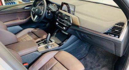 Bọc ghế da xe BMW X3 giúp nội thất xe bền đẹp và dễ dàng vệ sinh